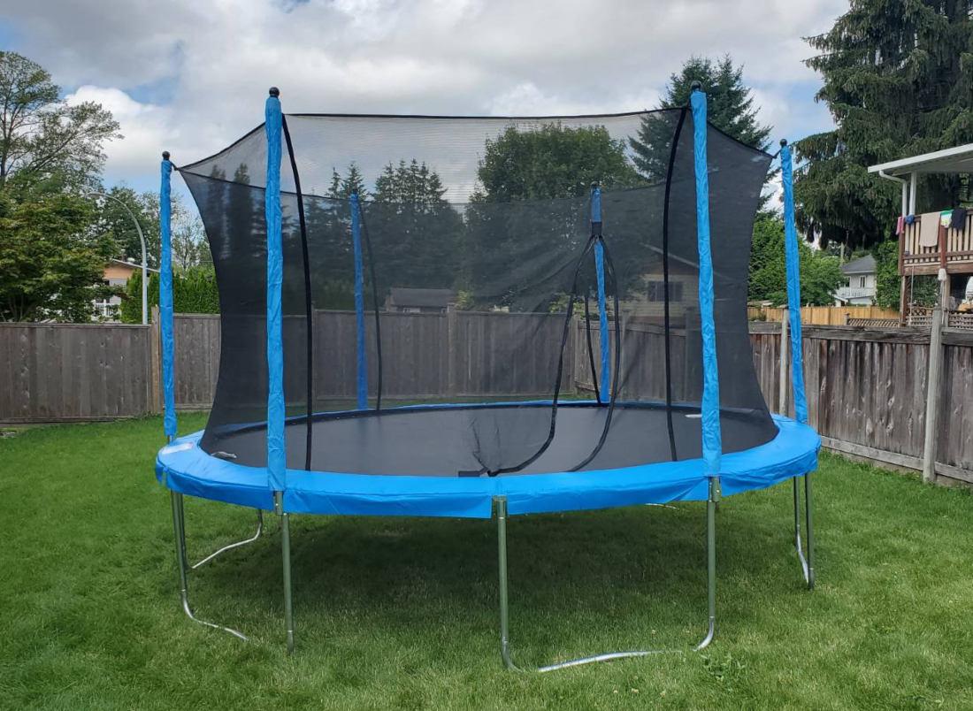 https://mtarservices.com/wp-content/uploads/outdoor-trampoline-feature.jpg